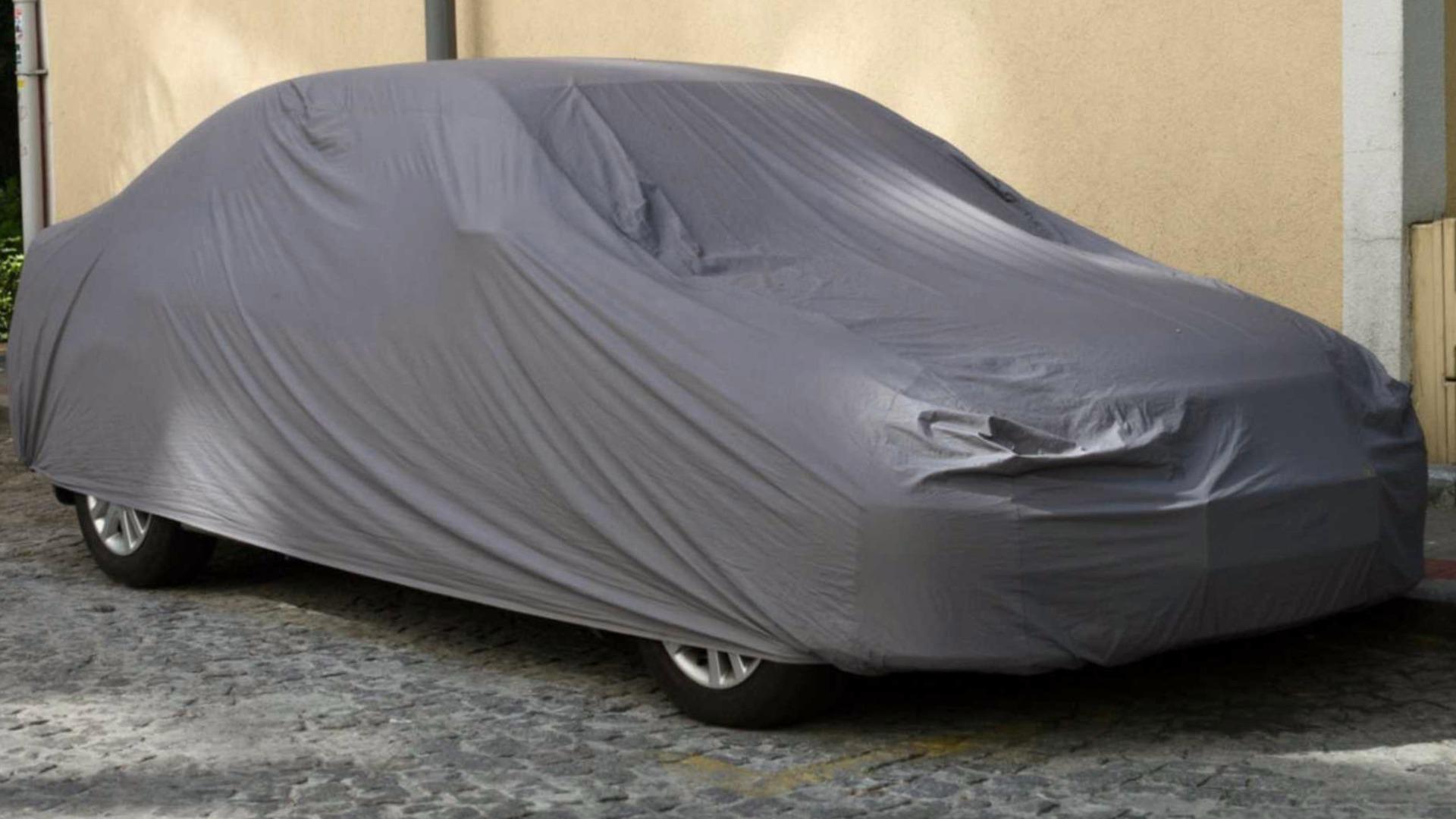 Cómo proteger tu coche del granizo si no tienes plaza de garaje