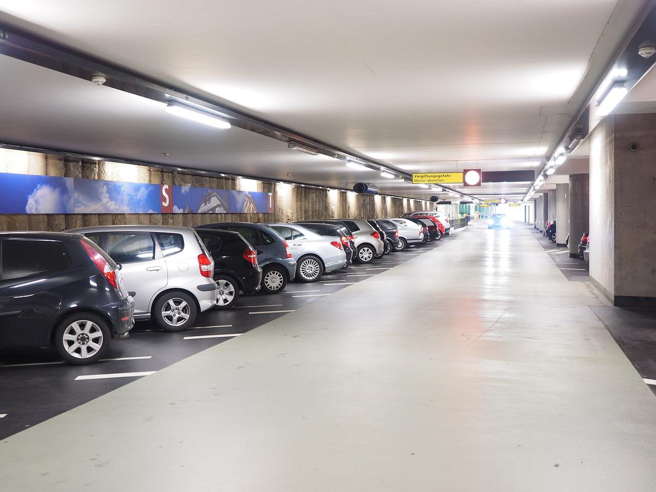 ¿Conoces estos 6 Tipos de asistentes de aparcamiento?