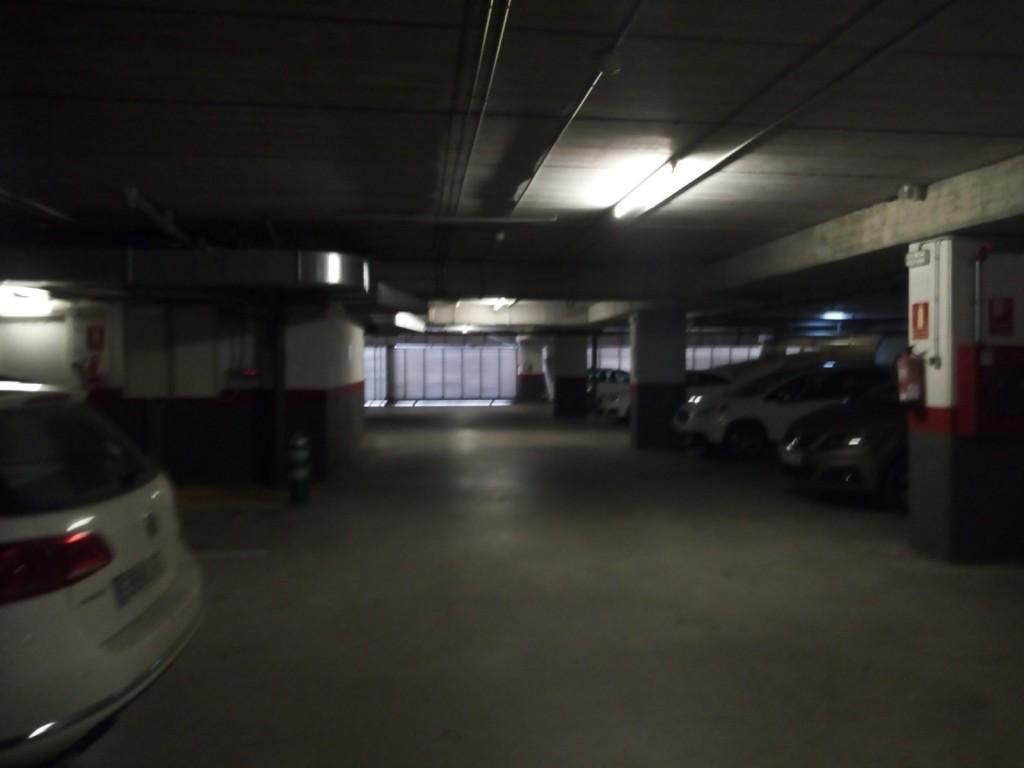 Plaza de parking en sant cugat del vall s en av corts - Trade center sant cugat ...