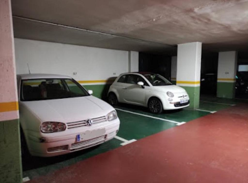 Plaza de parking en Sabadell en   Abat Escarre